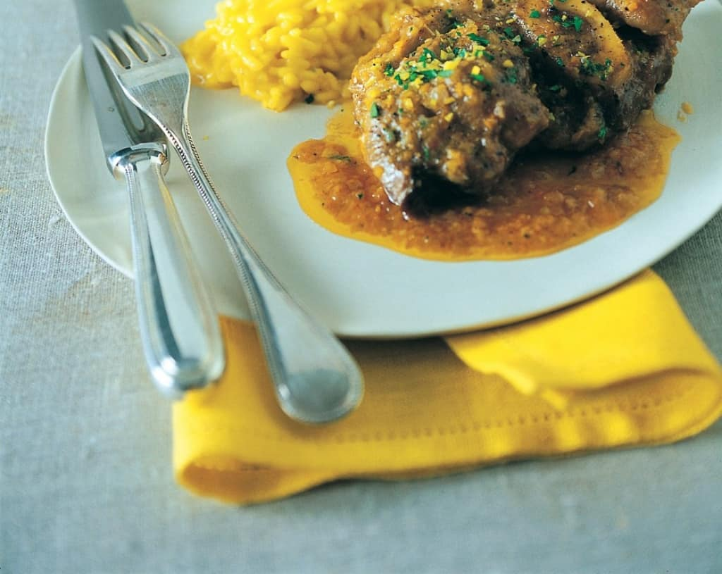 ricetta ossibuchi di vitello alla milanese - cucchiaio d'argento - Come Cucinare Gli Ossibuchi Di Manzo