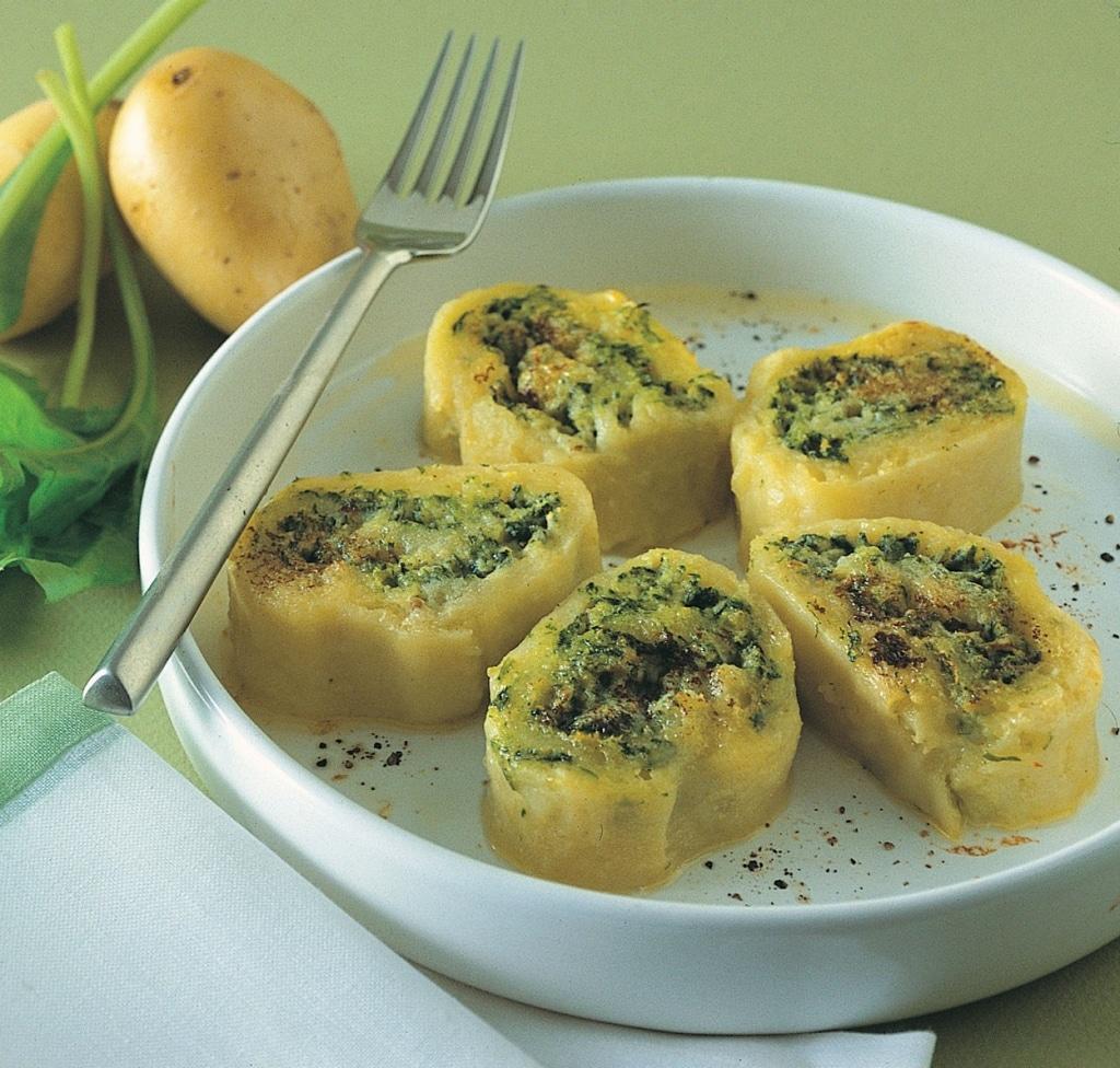 Ricetta Ricotta Patate.Ricetta Rotolo Di Patate Erbette Ricotta E Parmigiano Cucchiaio D Argento