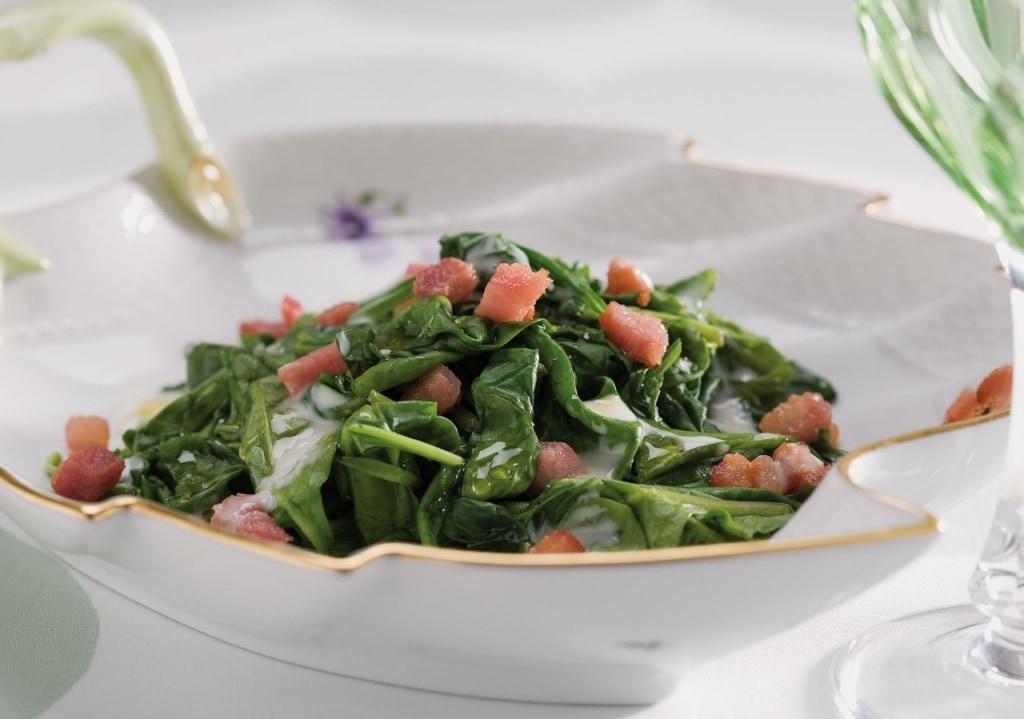 Ricetta spinaci in tegame con pancetta cucchiaio d 39 argento for Verdura tipica romana