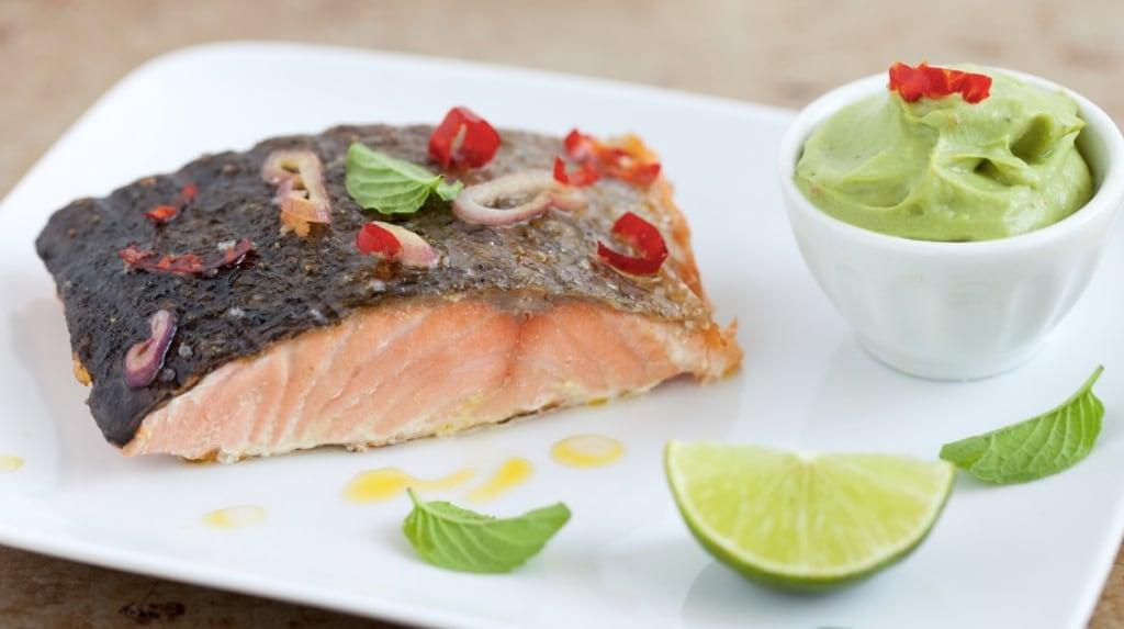 Ricetta filetto di salmone alla griglia con peperoncini e purè di