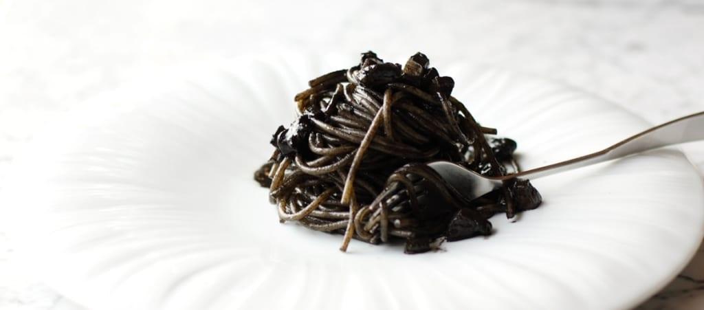 Cucina Anni 30 : Ricetta spaghetti al nero di seppia cucchiaio d argento