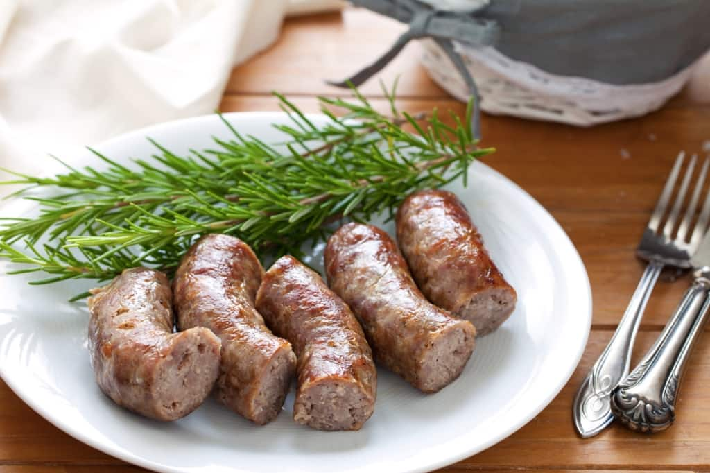 Ricetta salsiccia alla griglia cucchiaio d 39 argento - Griglia da cucina ...