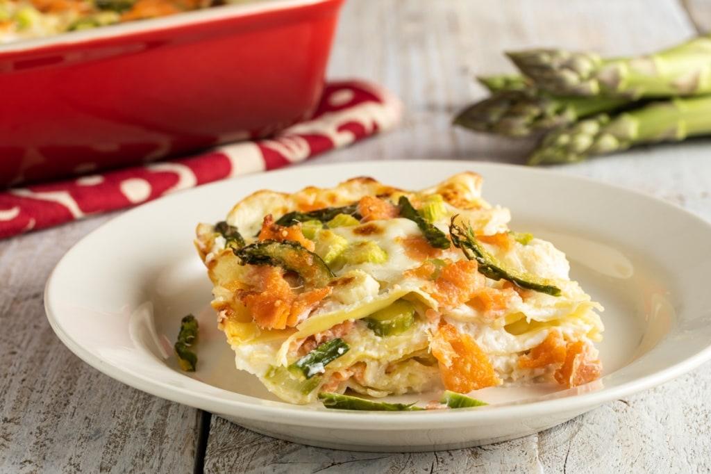 Ricetta Salmone Asparagi.Ricetta Lasagne Asparagi E Salmone Cucchiaio D Argento