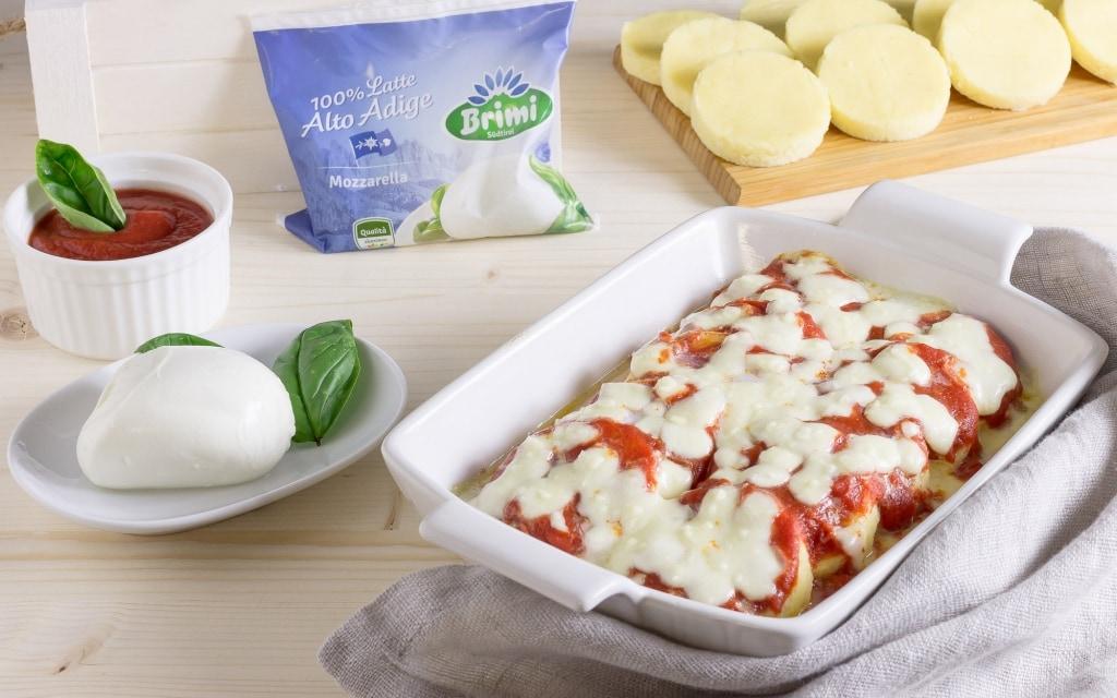 Ricetta gnocchi alla romana con pomodoro e mozzarella for Verdura tipica romana