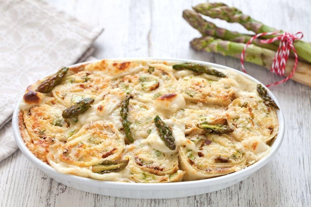 Ricetta crepes con ricotta e asparagi