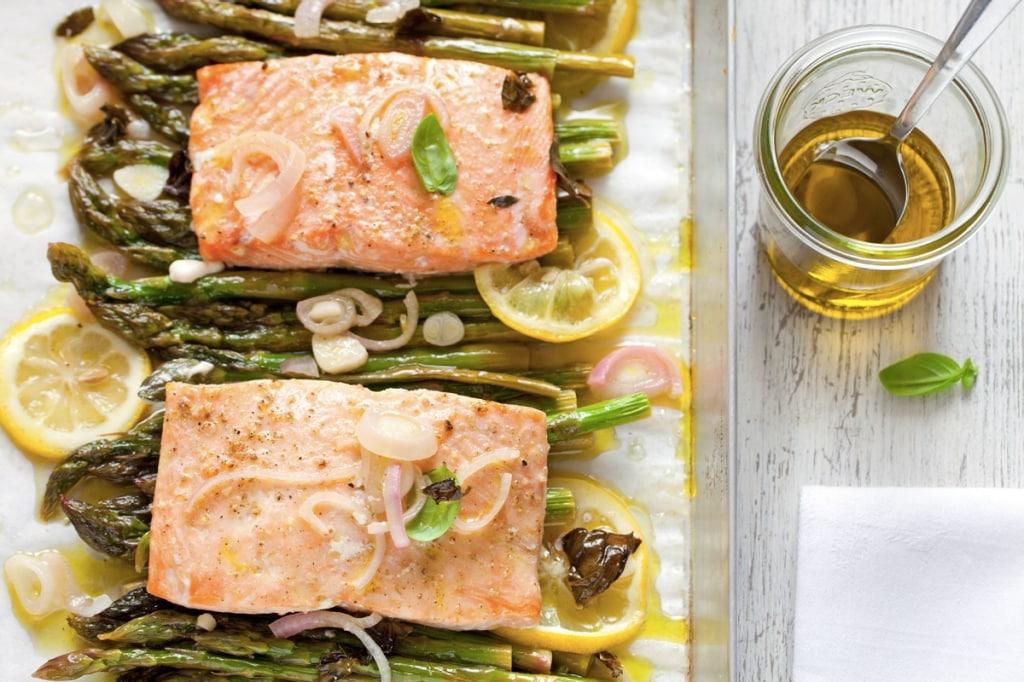 Ricetta salmone al forno con asparagi cucchiaio d 39 argento - Forno a vapore ricette ...