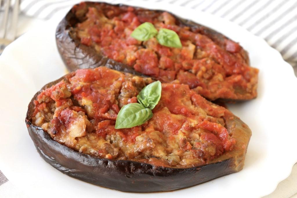 Ricetta melanzane ripiene di carne al sugo cucchiaio d for Ricette di carne veloci