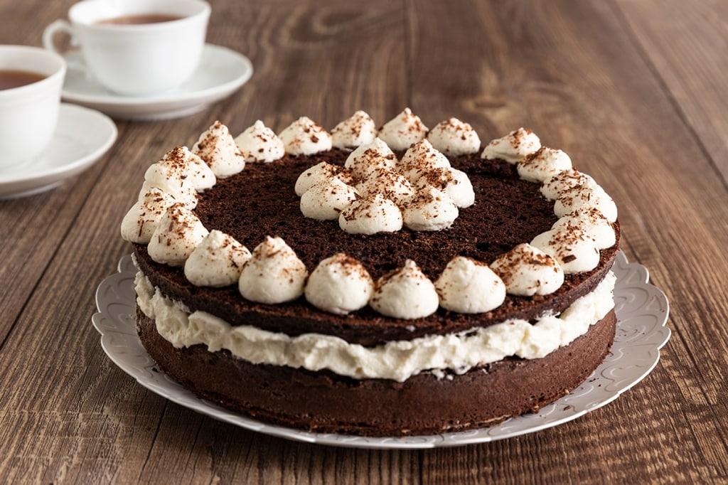 Ricetta Pan Di Spagna Al Cioccolato Al Latte.Ricetta Torta Al Cacao Con Crema Al Latte Cucchiaio D Argento