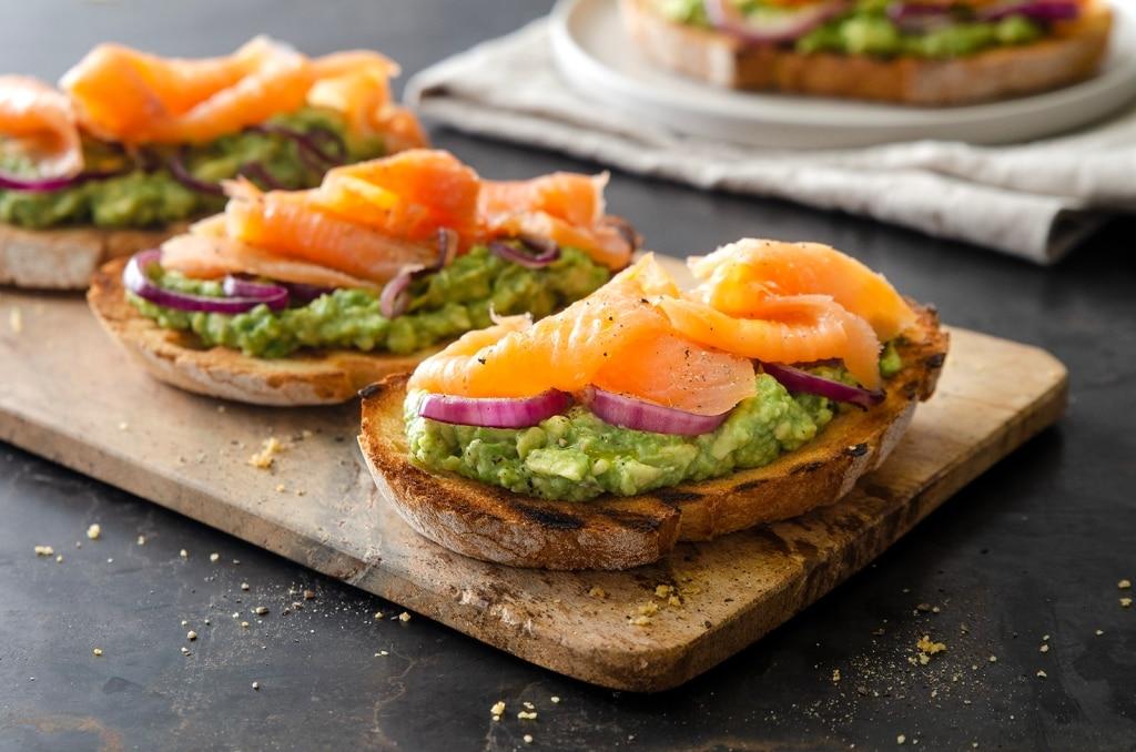 Ricetta Guacamole E Salmone.Ricetta Avocado Toast Al Salmone Cucchiaio D Argento