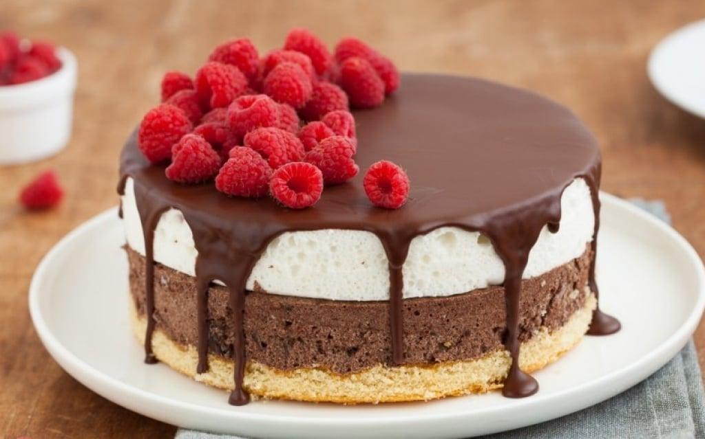 Ricetta Naked Cake colomba e amarene - Cucchiaio dArgento