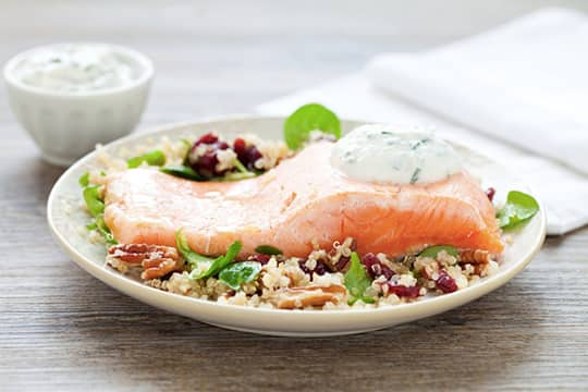 Guarda il video del Filetto di salmone con insalata di quinoa
