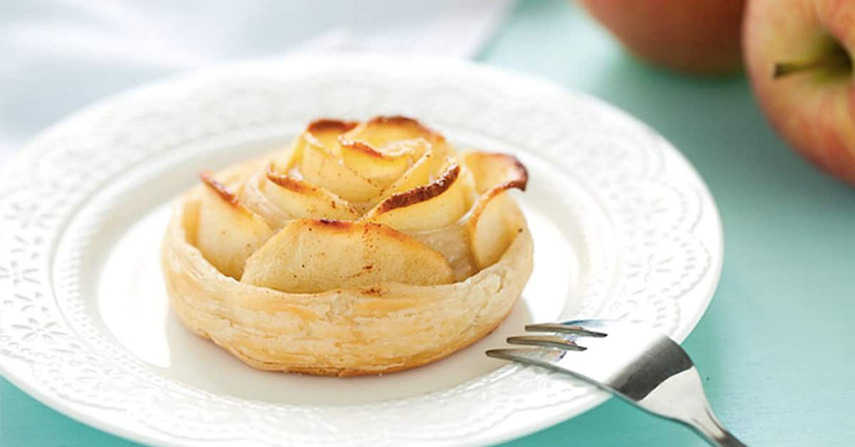 Rose di pasta sfoglia e mele alla cannella, ricetta