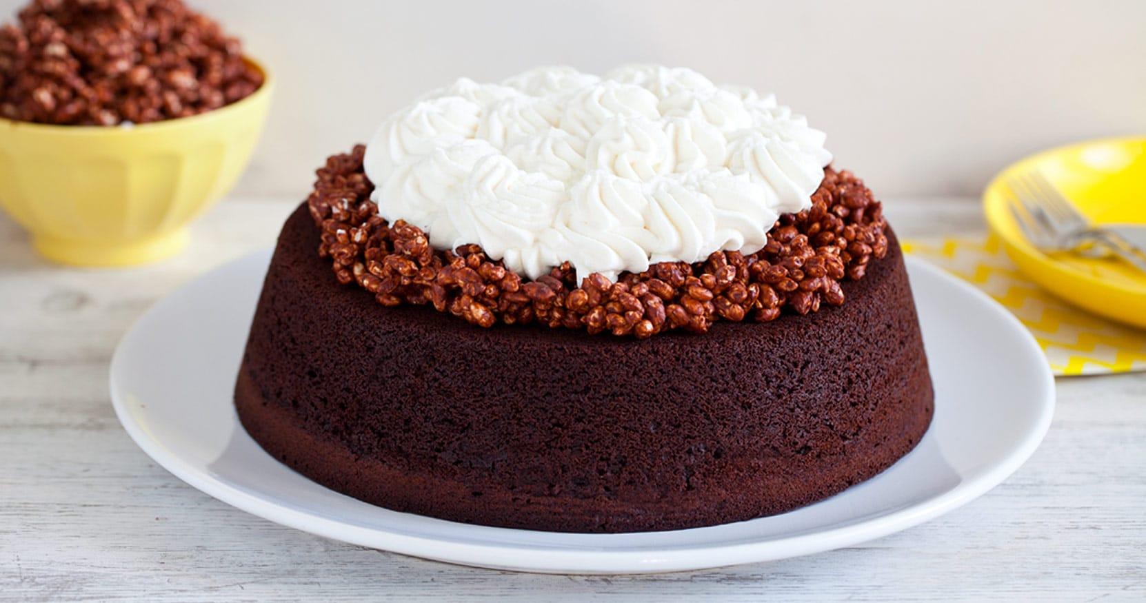 [Video] Torta al cioccolato e cannella con riso soffiato
